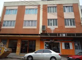 Apartamento 02 dormitórios central
