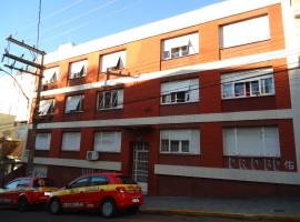 Apartamento 03 dormitórios com garagem central