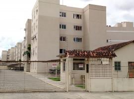 Apartamento 03 dormitórios com garagem