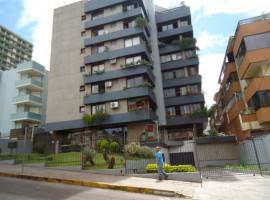 Apartamento 02 dormitórios com dependência e garagem