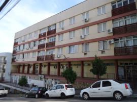 Apartamento 02 dormitórios semi-mobiliado central
