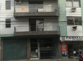 Apartamento 03 dormitórios com dois box garagem