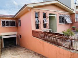 Casa 04 dormitórios com piscina e 02 vagas de garagem