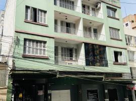 Apartamento 03 dormitórios central com garargem
