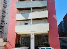 Apartamento semimobiliado 2 dormitório com garagem